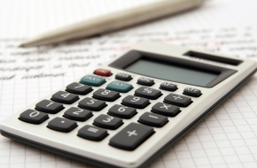 Kalkulator ułamków – minikalkulator.pl