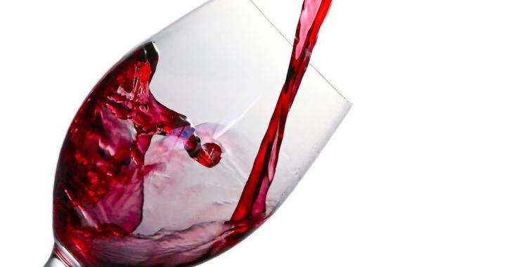 Czy białe wina to trunki na każdą okazję?